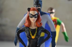 cat-woman-batman-robin-photo-by-erika-wittlieb-pixabay