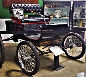1901 Curved Dash Runabout, RE Olds Museum, Photo by cjverb (2017)