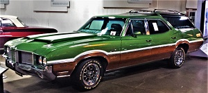 1972 Oldsmobile Vista Cruiser-RE Olds Museum, Photo by cjverb (2017)
