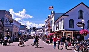 Downtown Mackinac Island, Public Domain, Pixabay