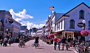 Downtown Mackinac Island, Public Domain, Pixabay