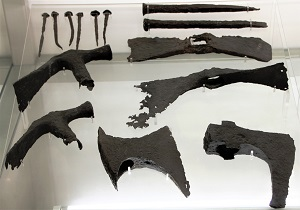 Aquincum_BHM_carpenter_tools_military, Photo by Bjoertvedt, WikiCommons