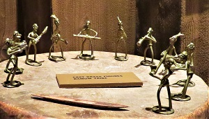 Bamum Cast Brass Figures, Milwaukee Public Museum, Photo by cjverb (2017)
