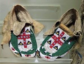 Lakota Moccasins, Michigan State University Museum, Photo by cjverb (2018)