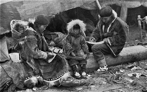 Inuit Family, Photo by George R. King (1917) for National Geographic [Public Domain], WikiMedia Commons
