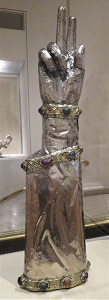 Arm Reliquary (c1350-1400), MIA, Photo by cjverb (2018)-300px
