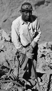 Boulder Dam Worker (c1935), National Archives & Records Administration-closeup-300px