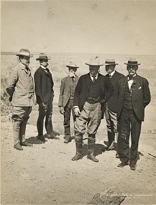 President Theodore Roosevelt (front & center; 1903), Photo courtesy of SMU Central University Libraries, WikiMedia Commons-300px