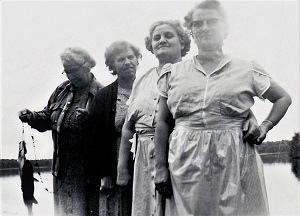 CJ Verb's Feisty Grandmas (1951, center left & right) and Great Aunts (far left & far right)-300px