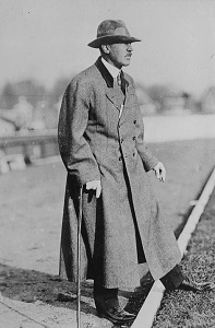 Walter Camp, Photo by Bain News Service, Wikimedia Commons-300px