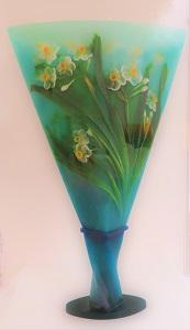 Daffodil Vase by Kimiake Higuchi, FIA, Photo by cjverb (2018)-300px