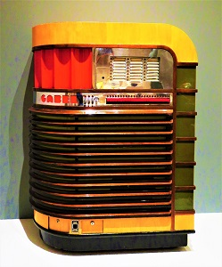Kuro Jukebox (1940), Milwaukee Art Museum, Photo by cjverb (2017)