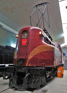 Pennsylvania Railroad GG-1 with Pantograph, National Railroad Museum, Photo by cjverb (2018)