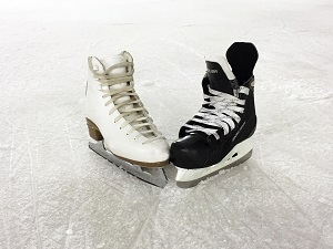 Figure & Hockey Skates, Photo by Amanda Cullingford, Pixabay