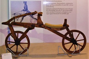 Laufmaschine, Deutsches Museum Verkehrszentrum, Photo by Klaus Nahr, Wikimedia Commons