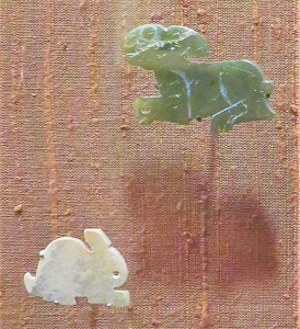 Bunny Amulets, Western Zhou Dynasty (green, c10th century BCE) & Shang Dynasty (white, c11th Century BCE) , Chicago Art Institute, Photo by cjverb (2019)