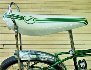 Schwinn Stingray (c1960s), Photo by Andrew Dressel, Wikimedia Commons