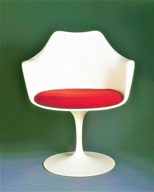Tulip Chair (c1956) by Eero Saarinen, Brooklyn Museum, Wikimedia Commons