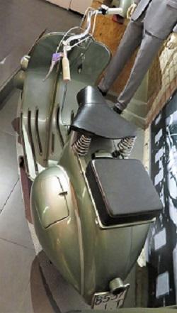 Vespa 125 (1951), Bici & Baci Vespa Museum, Photo by cjverb (2019)