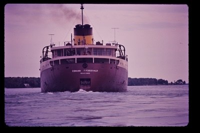 Edmund_Fitzgerald (1971), Photo by Greenmars, Wikimedia Commons-1-400px