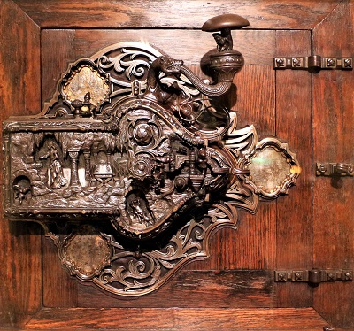 Iron Lock (1911) by Frank Koralewsky, Art Institute of Chicago, Photo by Sailko, Wikimedia Commons