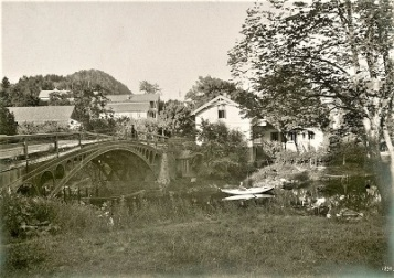 Iron Bridge in Sandvika, Norway (1898), Photo courtesy of Norwegian Directorate for Cultural Heritage, Wikimedia Commons