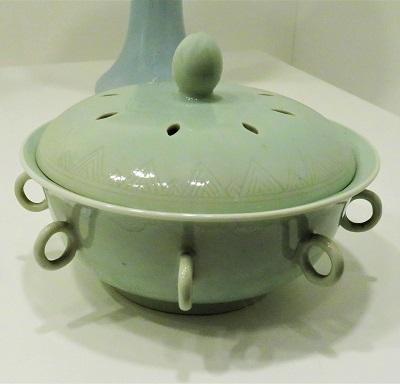 Porcelain Incense Burner (c1700-1800), FIA, Photo by cjverb (2018)-2