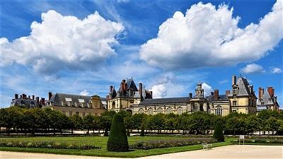 Château de Fontainebleau, Photo by Joe deSousa, Wikimedia Commons