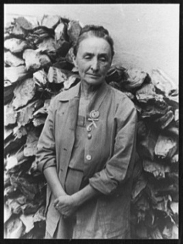 Georgia O'Keeffe (1950) by Carl Van Vechten, Library of Congress, Wikimedia Commons