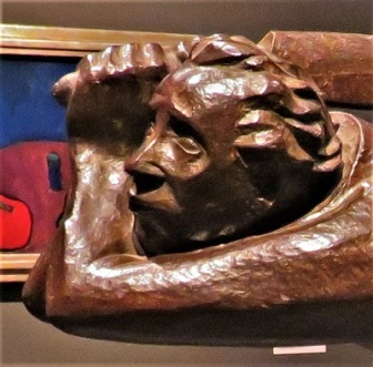 The Avenger (close up; 1922) by Ernst Barlach, San Diego Museum of Art, Photo by cjverb (2019)
