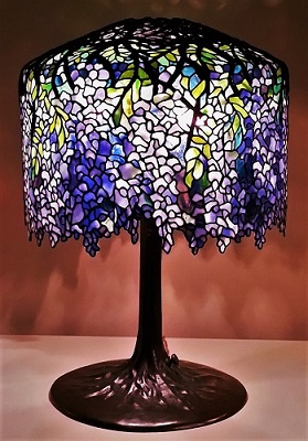 Art Nouveau Example, Tiffany Lamp (c1902), Virginia Museum of Fine Arts, Photo by Fopseh