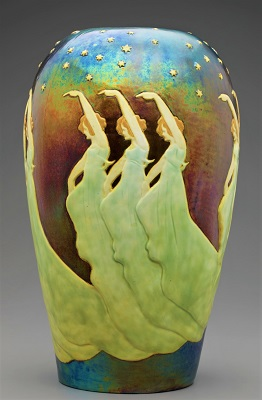 slip-cast-ceramic-vase-c1900-by-lajos-mack-detroit-institute-of-arts-400px